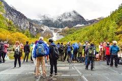 Touristes non identifiés au lac Zhenzhu Hai pearl Photographie stock