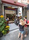 Touristes par la dépendance, Vietnam Photos stock