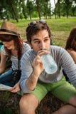 Touristes prenant un repos Photographie stock libre de droits