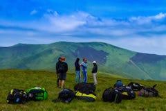 Touristes sur la montagne de Hymba Photo libre de droits