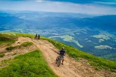 Touristes sur la montagne de Hymba Photo stock