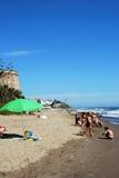 Touristes sur la plage de Marbessa, Espagne Images libres de droits