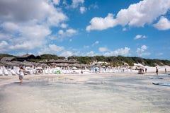 Touristes sur la plage, Jericoacoara, Brésil Photo libre de droits