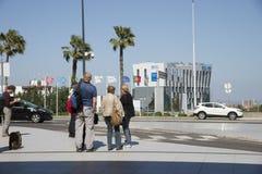 Touristes sur le bord de la route Lisbonne Portugal photo stock