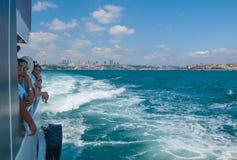 Touristes sur le ferry-boat Photo stock