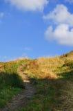 Touristic след в горах в красивом пейзаже Стоковые Фотографии RF