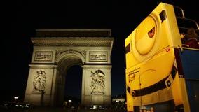 Touristic шина в Париже сток-видео