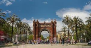 Touristic Barcelona, Båge de Triumfera Tid schackningsperiod exponering long Siden- effekt stock video