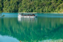 Free Touristic Boat On Beautiful Azure Plitvice Lake Royalty Free Stock Photos - 144803748