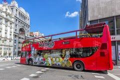 Touristic buss i Madrid, Spanien arkivbild