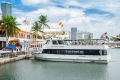 Touristic cruise boat docked at the Bayside Marketplace in Miami Stock Images