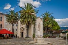 Touristic mitt Herceg Novi för gammal stad royaltyfri bild