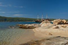 Touristic piratkopiera skeppet arkivbild