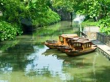 Touristische Boote am Kanal Stockfotografie