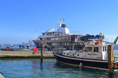 Touristische Boote, Venedig Stockfoto
