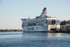 Touristische Fähre - Silja Line - am Hafen von Helsinki, Finnland Lizenzfreie Stockfotos