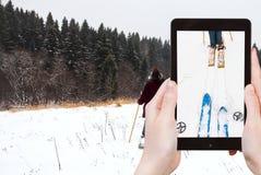 Touristische Fotografien der Skipiste im Schnee stockfotos