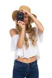 Touristische Frau, die ein Foto lokalisiert macht Stockfotos