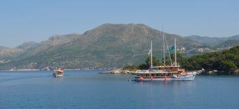 Touristische Reise-Boote Dubrovnik Lizenzfreies Stockbild