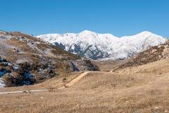 Touristische Spur in den Bergen Stockfotografie