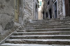 Touristische Stadt durch das Adratic Meer - Sibenik, Kroatien Lizenzfreies Stockbild