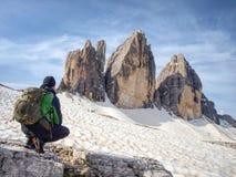 Touristischer Rundgang Weg Drei Zinnen Tre Cime di Lavaredo lizenzfreies stockfoto