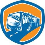 Touristischer Trainer-Shuttle Bus Shield-Holzschnitt Stockfoto