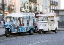 Touristisches Besichtigungstuk-tuk, Porto, Portugal stockfotografie