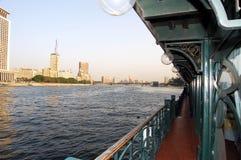 Touristisches Boot auf dem Nil in Kairo, Ägypten Lizenzfreies Stockfoto