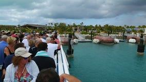 2 in 1, touristisches Schiff in einem Ausflug um Bahamas, Bahamas stock footage