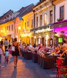 Touristisches Straßenrestaurant Zagreb Croatia stockbilder