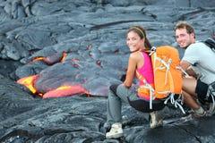 Touristisches wanderndes Porträt Hawaii-Lava Lizenzfreie Stockfotos