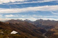 Touristisches Zelt in den Bergen Stockbild