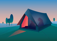 Touristisches Zelt nachts Stockfotos