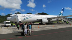 Tourists arriving on the Cook Islands Royalty Free Stock Photos