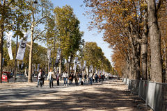 Tourists in Avenue des Champs-Elysees Paris Royalty Free Stock Photos