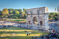 Tourists came to visit the Arch of Constantine in Rome Royalty Free Stock Images