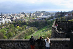 Tourists Edinburgh castle Stock Photo