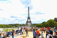 Tourists enjoy at Eiffel Tower - Paris Royalty Free Stock Images
