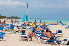 Tourists enjoying the beach at Cuba Royalty Free Stock Photography
