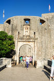 Tourists entering from the main door the citadel of Dubrovnik in Royalty Free Stock Photos