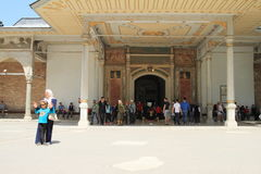 Tourists in front of `Sublime Porta` in Istanbul Stock Photography