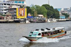 The tourists get on boat for sightseeing along Chao Phraya River Stock Photos