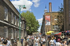 Free Tourists In Brick Lane On A Busy Sunny Sunday Stock Photo - 41478410
