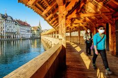Free Tourists In Face Masks In The Old Town Of Lucerne, Switzerland Stock Image - 185965851