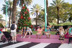 Tourists at Lincoln Road in Miami Beach Royalty Free Stock Photos