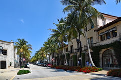 Tourists and locals enjoy Worth Avenue on Palm Beach Stock Photography