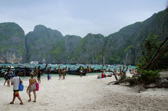 Tourists at Maya Bay Royalty Free Stock Photography