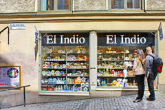 Tourists near the gift shop El Indio in Stockholm Stock Photography