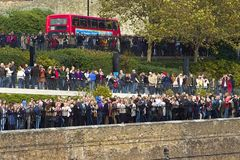 Tourists near Tower of London Royalty Free Stock Photography